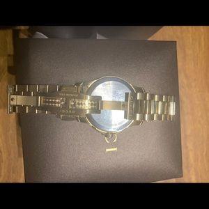 Gucci Accessories - Men's gold watch